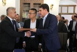 سرمایهگذاران ایتالیا و چین با یزد تفاهمنامه همکاری امضا کردند