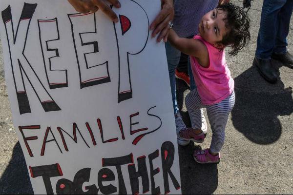 رئیس جمهور مکزیک خواستار پیوستن خانواده های جدا شده به یکدیگر شد