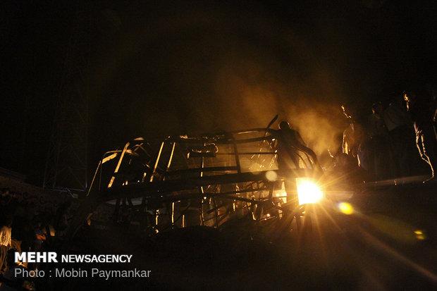 تصادف نفتکش با اتوبوس در سنندج