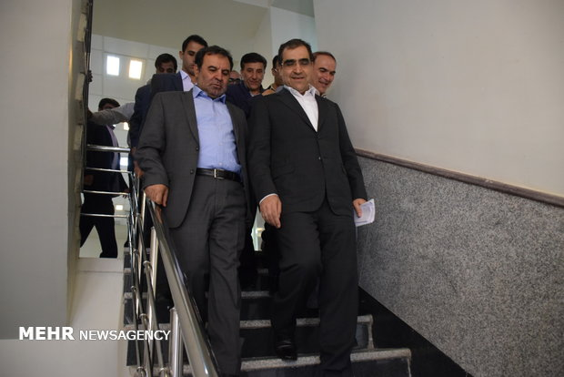 نائب ايراني: وزير الصحة قدّم استقالته