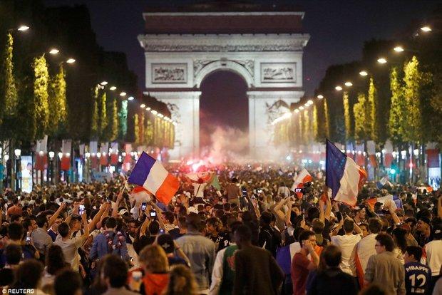 جشن صعود فرانسوی ها