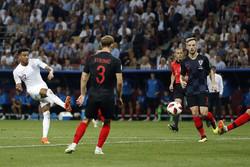 کروشیا اور برطانیہ کی قومی فٹبال ٹیموں کے درمیان مقابلہ