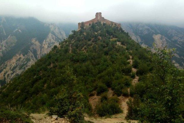 ویرانه ای به نام قلعه باستانی« کنگلو»