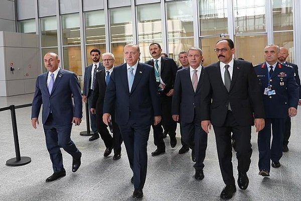 Cumhurbaşkanı Erdoğan NATO Zirvesi'nde oturuma katıldı