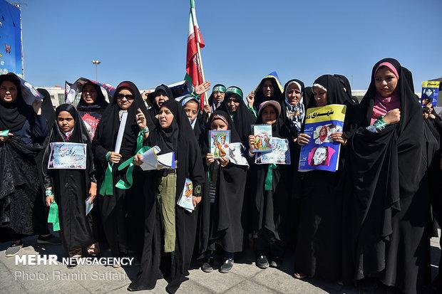مسيرة لسيدات ايران في اليوم الوطني للعفاف والحجاب