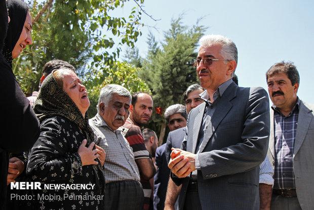 تشييع ضحايا الحادث المروري في سنندج غرب ايران