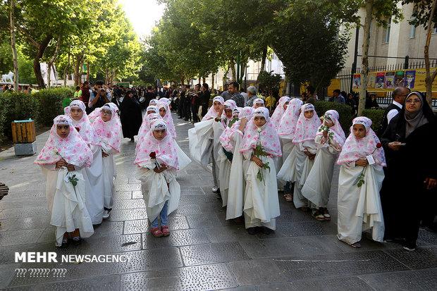 عطر شهدا در مراسم روز حجاب و عفاف اصفهان