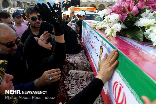 تشییع ۱۳ شهید در راهپیمایی روز حجاب و عفاف اصفهان
