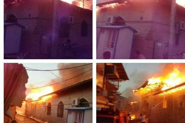 مسجد جامع ساری دچار حریق شد/ سرایت آتش به بازار
