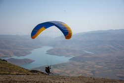 """المنافسات الدولية للطيران المظلي في مدينة """"سيلوانه"""" شمال غربي ايران / صور"""