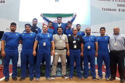 تیم وزنهبرداری جوانان ایران قهرمان جهان شد/ هتتریک در قهرمانی