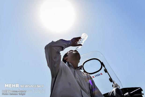 گرمای هوا در خراسان رضوی تداوم دارد/پیش بینی دمای ۴۰ درجه در مشهد