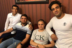 عیادت جمعی از قهرمانان کشتی از نوجوان مصدوم سیستانی