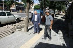 اجرای طرح نوار زرد موزاییکی مخصوص کم بینایان در شهر مرند