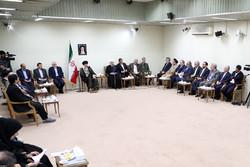 لقاء قائد الثورة مع روحاني واعضاء الحكومة