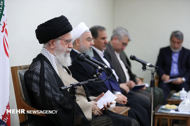 Ayat. Khamenei receives Rouhani, his cabinet