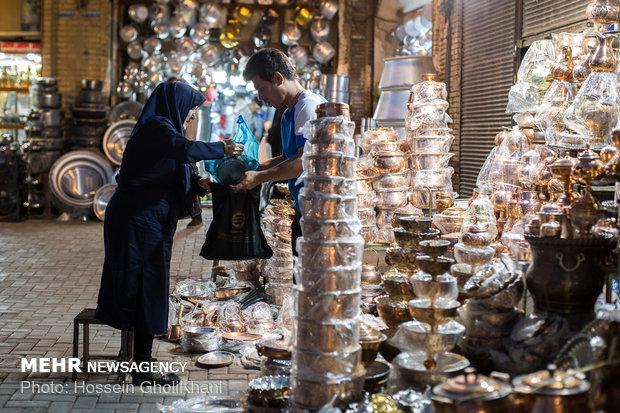 مدیر بازرسی اتاق اصناف اصفهان خبر داد: آموزش مبانی فروش به فروشندگان از سوی اتاق اصناف