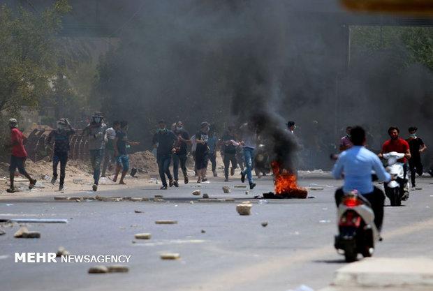 حمله معترضان به سخنگوی وزارت خارجه عراق