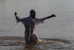 مراسم تعميد الصابئة المندائية على نهر كارون /صور
