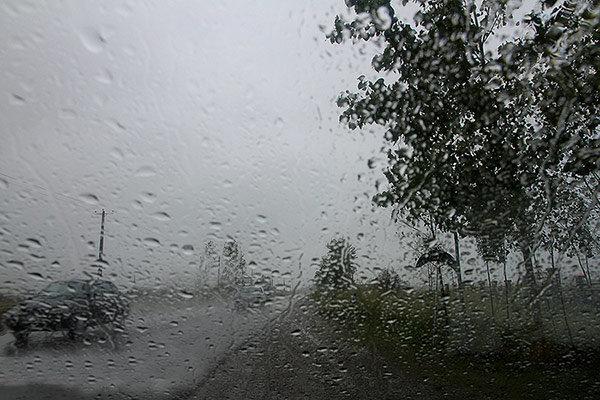 مشاجره یک زن و شوهر بر سر هوای بارانی