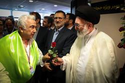 الايرانيون يودعون القافلة الأولى من الحجاج المتجهة نحو الديار المقدسة /صور