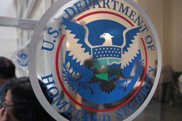 در اعتراض به سیاست مهاجرتی ترامپ انجام شد: استعفای دستهجمعی مشاوران وزارت «امنیت میهنی» آمریکا