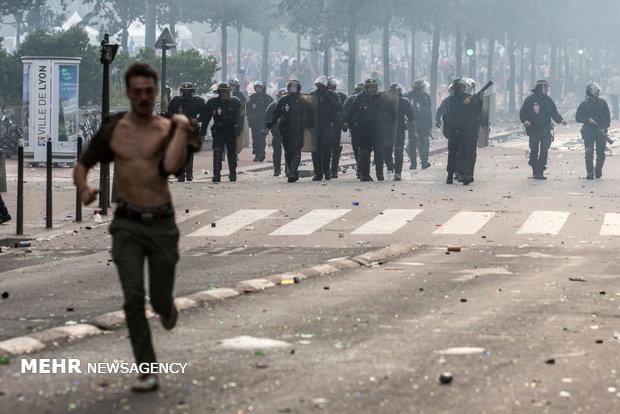 آشوب در پاریس همزمان با قهرمانی جام جهانی
