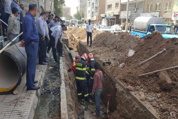 ریزش آوار در مسیر خط لوله آب ورامین/ ۲ کارگر زیر آوار محبوس شدند