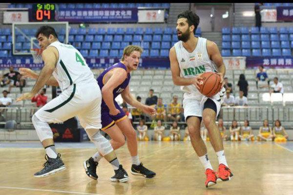 المنتخب الإيراني لكرة السلة يلحق هزيمة بنظيره البولندي