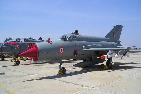 «میگ- ۲۱» نیرویهوائی هند سقوط کرد/ خلبان کشته شد