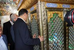وزیر بهداشت به زیارت امامزاده ابراهیم(ع) قرچک رفت