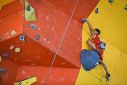 Shiraz hosts cadet rock-climbing competitions