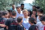 بشار اسد اور اس کی ہمسر کی شام کےشہداء اور جانبازوں کے اہلخانہ سے ملاقات