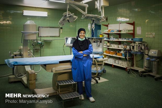 دکتر لعبت گران پایه متخصص جراحی عمومی زنان