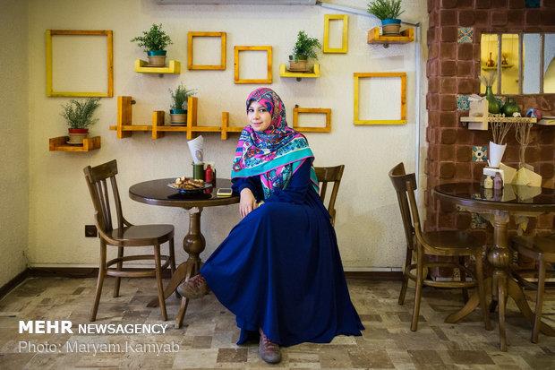 زهرا عابدین طراح و مدیر دیجیتال مارکت کافه