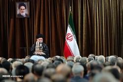 قائد الثورة الاسلامية يستقبل مسؤولي وزارة الخارجية /صور