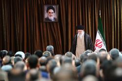 قائد الثورة الاسلامية يستقبل مسؤولي وزارة الخارجية