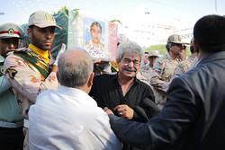 """تشييع جثمان شهيد الحدود """"حسين فنائي"""" في الحرم الرضوي"""