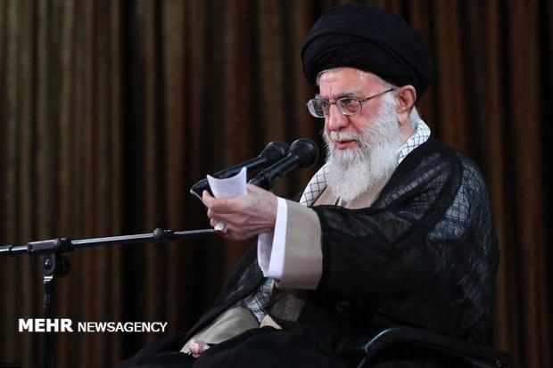 قائد الثورة: التفاوض مع أمريكا لن يجدي نفعا على الإطلاق