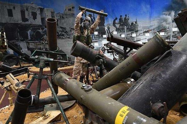 كاتب بريطاني: أسلحة الإرهابيين في سوريا كانت مخصصة للسعودية