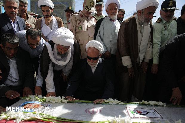 تشييع جثمان شهيد الحدود في الحرم الرضوي