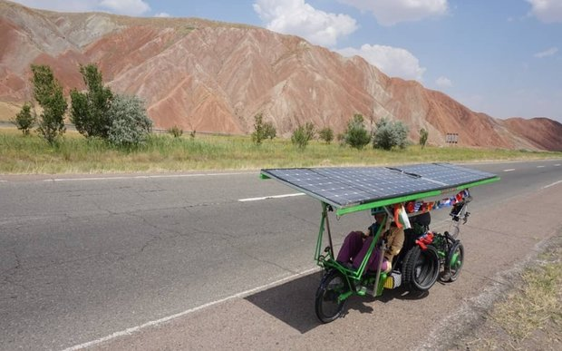 Solar bikers traverse Iran en route from France to China