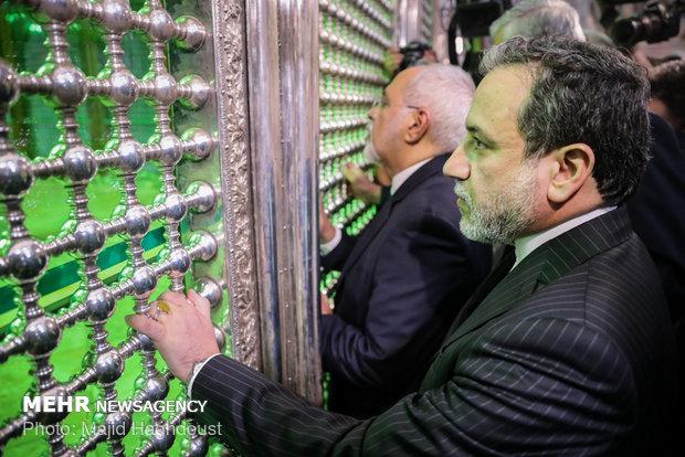 FM staff, Iran ambs. renews allegiance to ideals of Imam Khomeini
