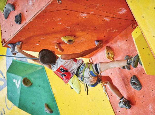 Climbers compete at Shiraz