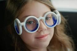 عینکی که از حالت تهوع جلوگیری می کند
