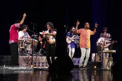 Lian performs a concert at Tehran's Vahdat Hall on June 21, 2018. (Musicema/Sara Abdollahi)