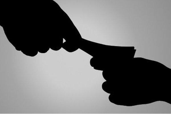 ایثارگران طرح های نو برای مبارزه با مفسدان اقتصادی ارائه دهند