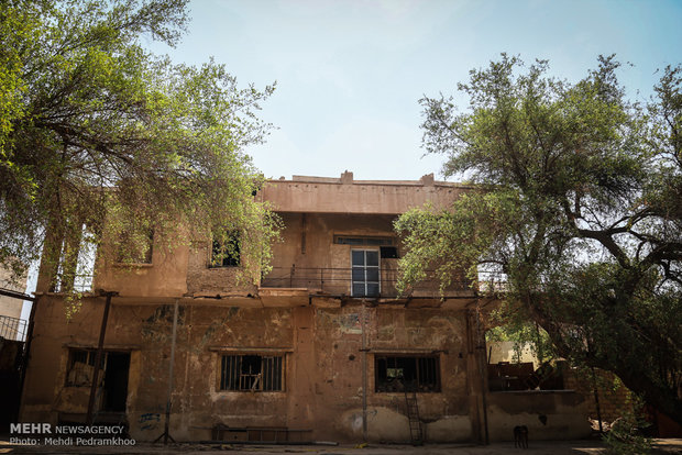 Historical hotel in Ahvaz in a bad condition