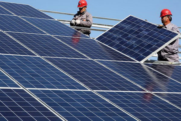 Iran, China sign contract to build solar farm in Qom