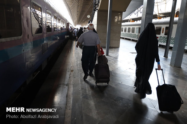مسافران قطار تهران مشهد
